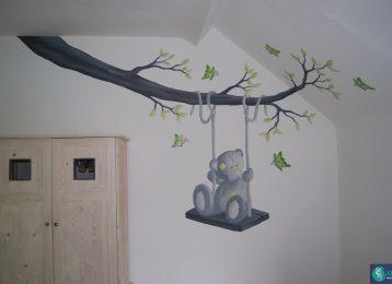 Muurschilderij me to you beer op een tak