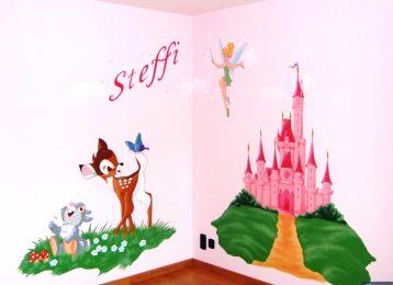 Muurschildering met Bambi, Tinkerbel en Disney-kasteel