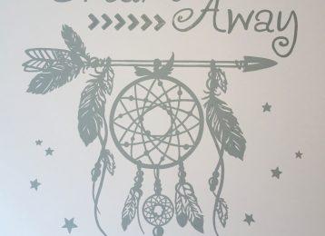 Decoratieve muurschildering met dromenvanger thema