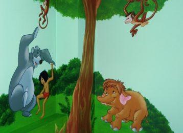 Muurschildering Jungle Book met Baloo en Mowgli