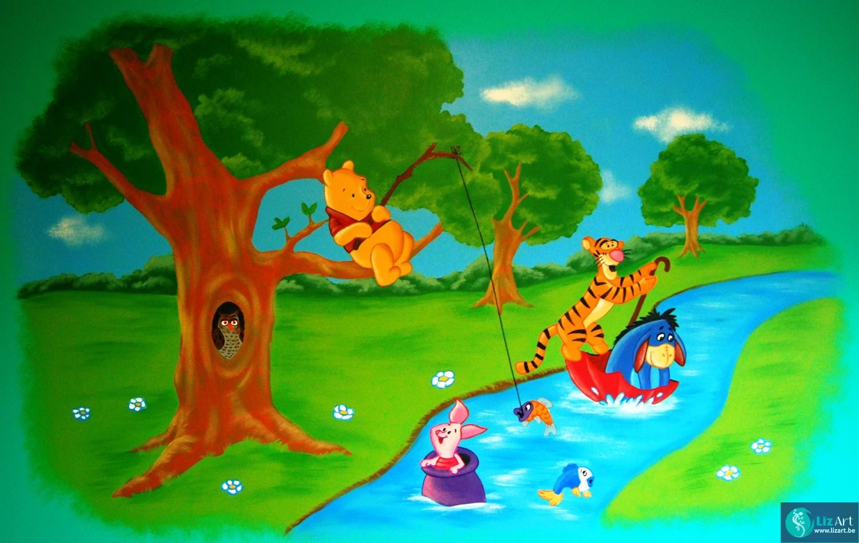 Muurschildering van Winnie De Pooh aan het vissen
