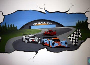 Wandschildering racewagen circuit