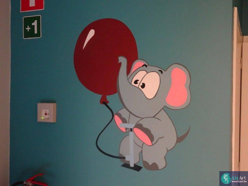 Olifantje met ballon voor kinderdagverblijf