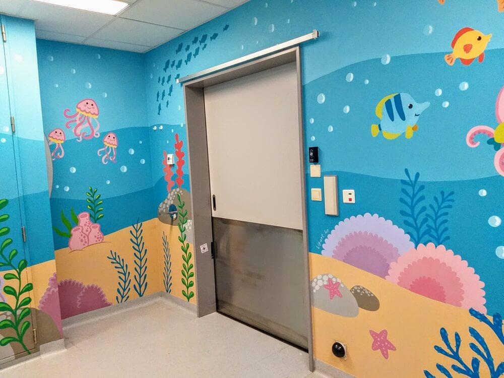 muurschildering onder water wereld in een spoedbox voor kinderen